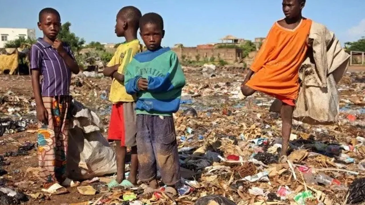 http://www.westafricanpilotnews.com/wp-content/uploads/2020/04/Poverty-Nigeria-Covid-19.04.20-1-1280x720.jpg