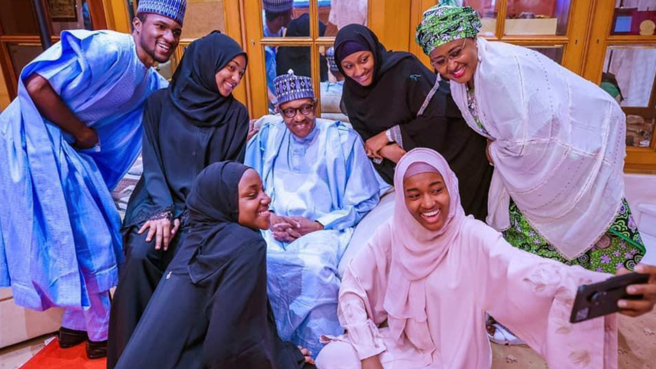 Buhari, Family Members Observe Eid Prayer Inside Aso Villa
