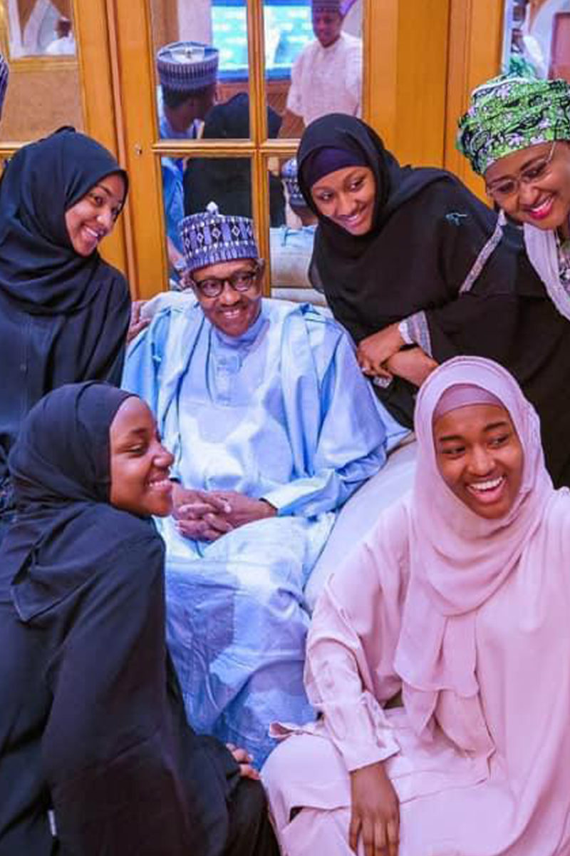 Buhari, Family Members Observe Eid Prayer Inside Aso Villa