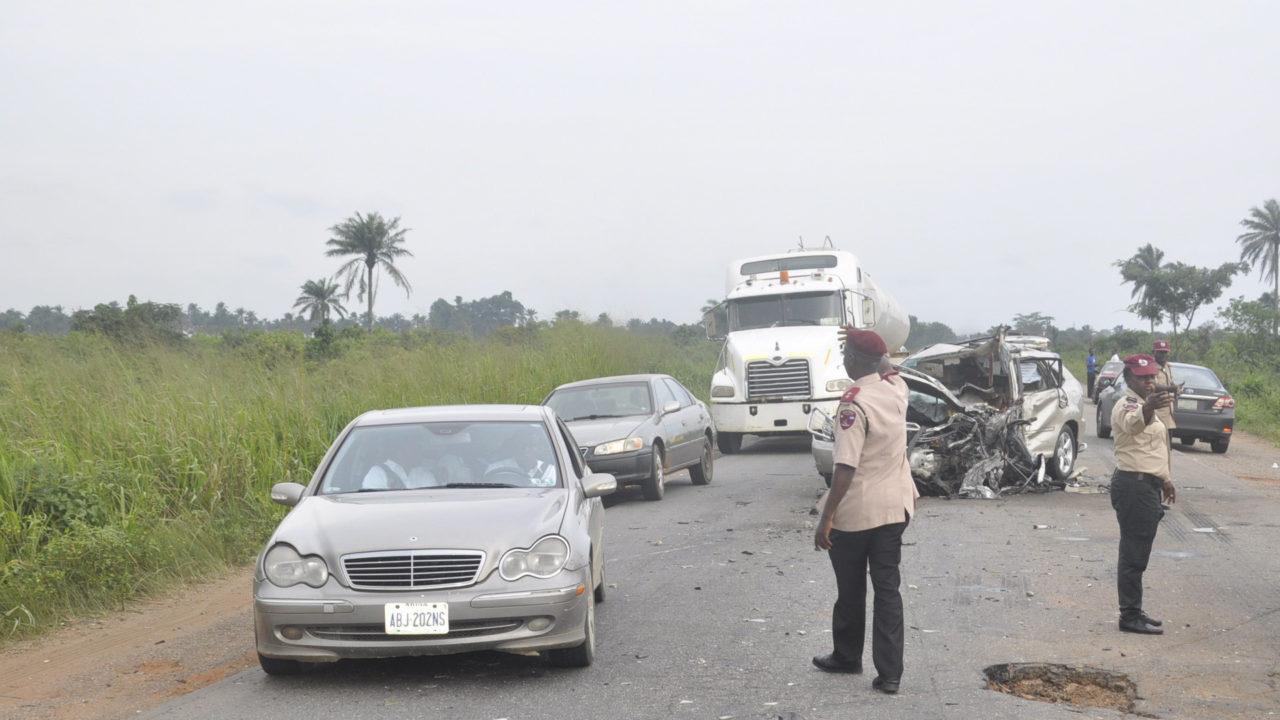 https://www.westafricanpilotnews.com/wp-content/uploads/2020/04/Accident-FRSC-Officials-controling-traffic-at-the-accident-scene-2-1280x720.jpg