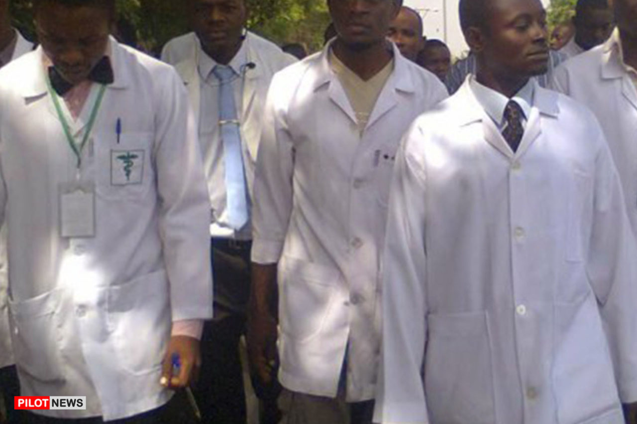 https://www.westafricanpilotnews.com/wp-content/uploads/2020/05/Doctors-NMA-Doctors-strike-Nigeria-05-20-20-1-1280x853.jpg