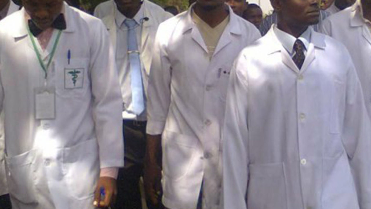 https://www.westafricanpilotnews.com/wp-content/uploads/2020/05/Doctors-NMA-Doctors-strike-Nigeria-05-20-20-1280x720.jpg