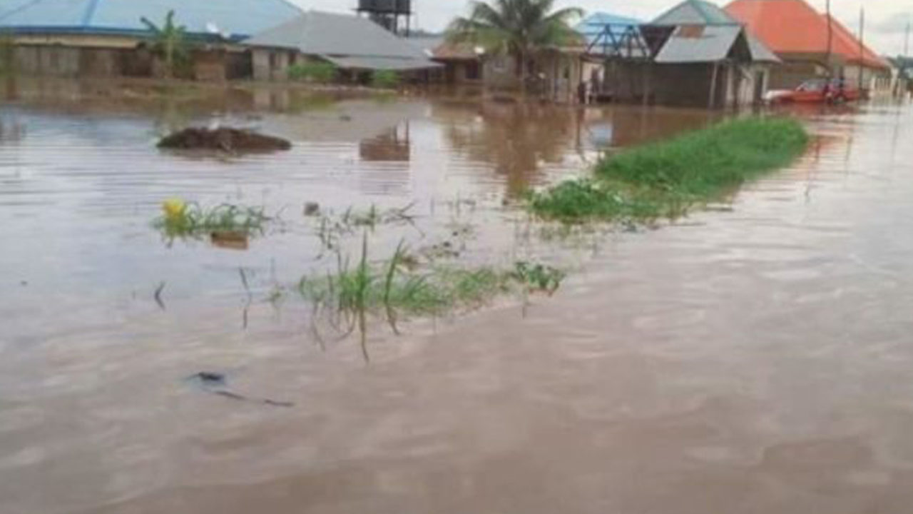 https://www.westafricanpilotnews.com/wp-content/uploads/2020/07/Flooding-Benue-File-Photo-07-21-1280x720.jpg