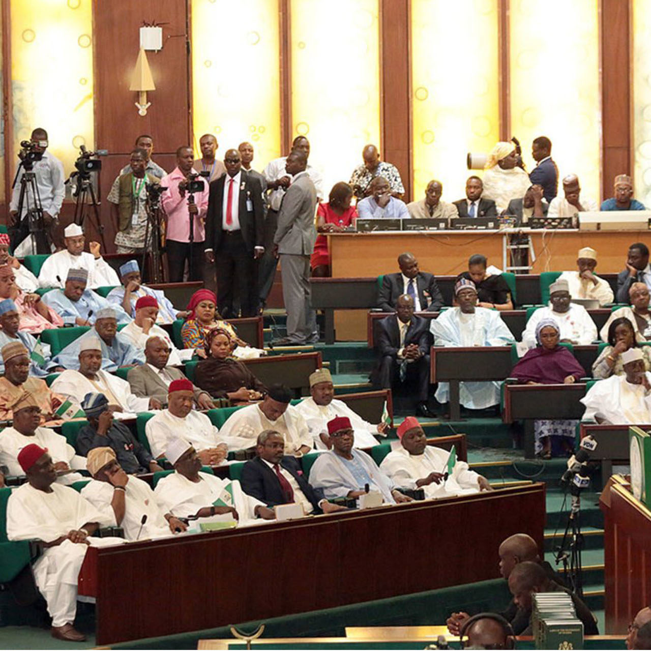 Reps Seeks to Prohibit Bankers from Operating Foreign Accounts