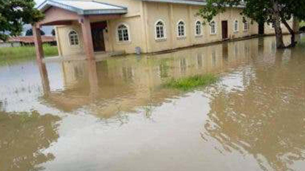 https://www.westafricanpilotnews.com/wp-content/uploads/2020/09/Anambra-flood-Cathedral-Church-of-St-James-Umuikwu-Anam-File-Photo-2018-9-22-1280x720.jpg