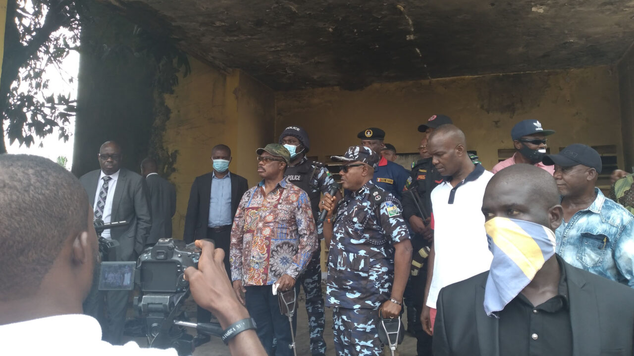 https://www.westafricanpilotnews.com/wp-content/uploads/2020/10/Anambra-ENDSARS-Obiano-Visits-Nnewi-Police-HQ-10-27-20-1280x720.jpg