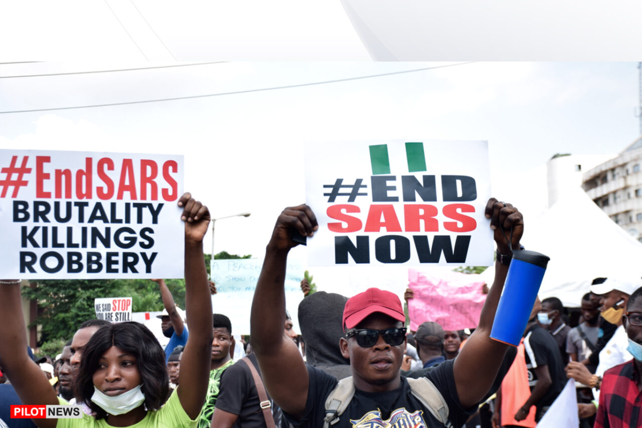 https://www.westafricanpilotnews.com/wp-content/uploads/2020/10/Protest-ENDSARS-PROTEST-IN-LAGOS_10-16-20-1280x853.jpg