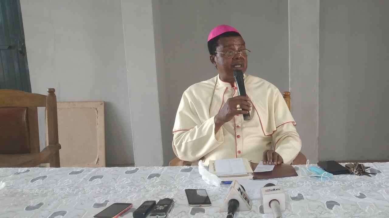 https://www.westafricanpilotnews.com/wp-content/uploads/2020/12/Religion-Bishop-Ezeokafor-addressing-the-media-December-25-in-Awka_12-25-20-WAP-Photo-1280x720.jpg