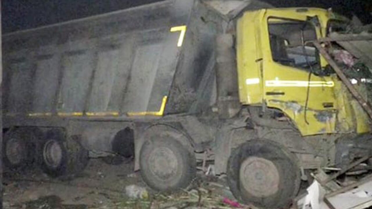 https://www.westafricanpilotnews.com/wp-content/uploads/2021/01/India-Truck-crushes-15-sleeping-workers-in-India-1-20-21-1280x720.jpg