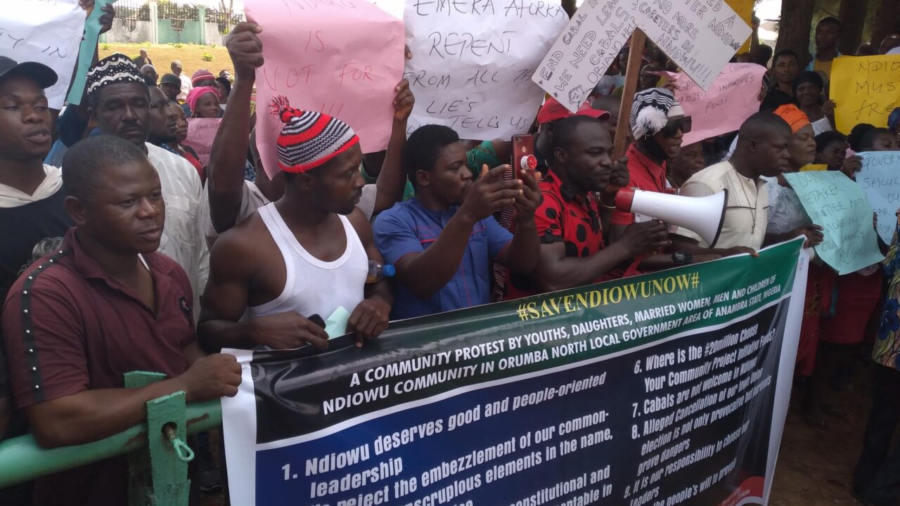 https://www.westafricanpilotnews.com/wp-content/uploads/2021/01/Protests-Ndiowu-community-protest-over-town-union-leadership-imposition-1-21-21-1280x720.jpg