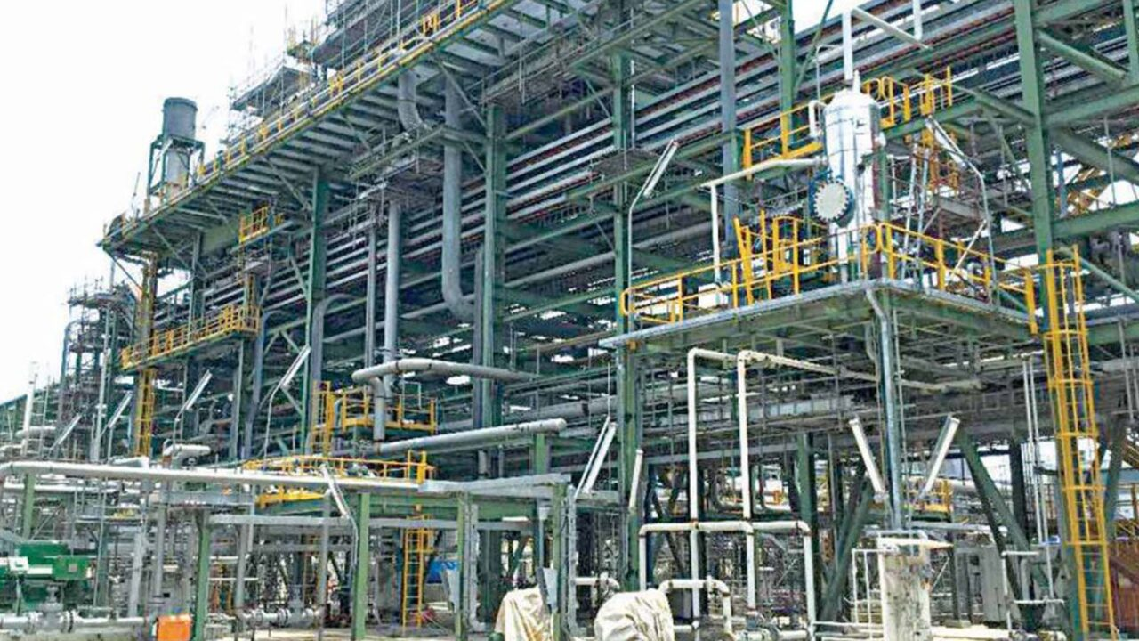 https://www.westafricanpilotnews.com/wp-content/uploads/2021/03/Dangote-Refinery-Lekki-Lagos-1280x720.jpg