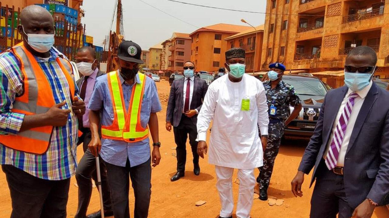 https://www.westafricanpilotnews.com/wp-content/uploads/2021/03/Governor-Ugwuanyi-inspecting-Etudo-Awkunanaw-street-3-27-21-1280x720.jpg