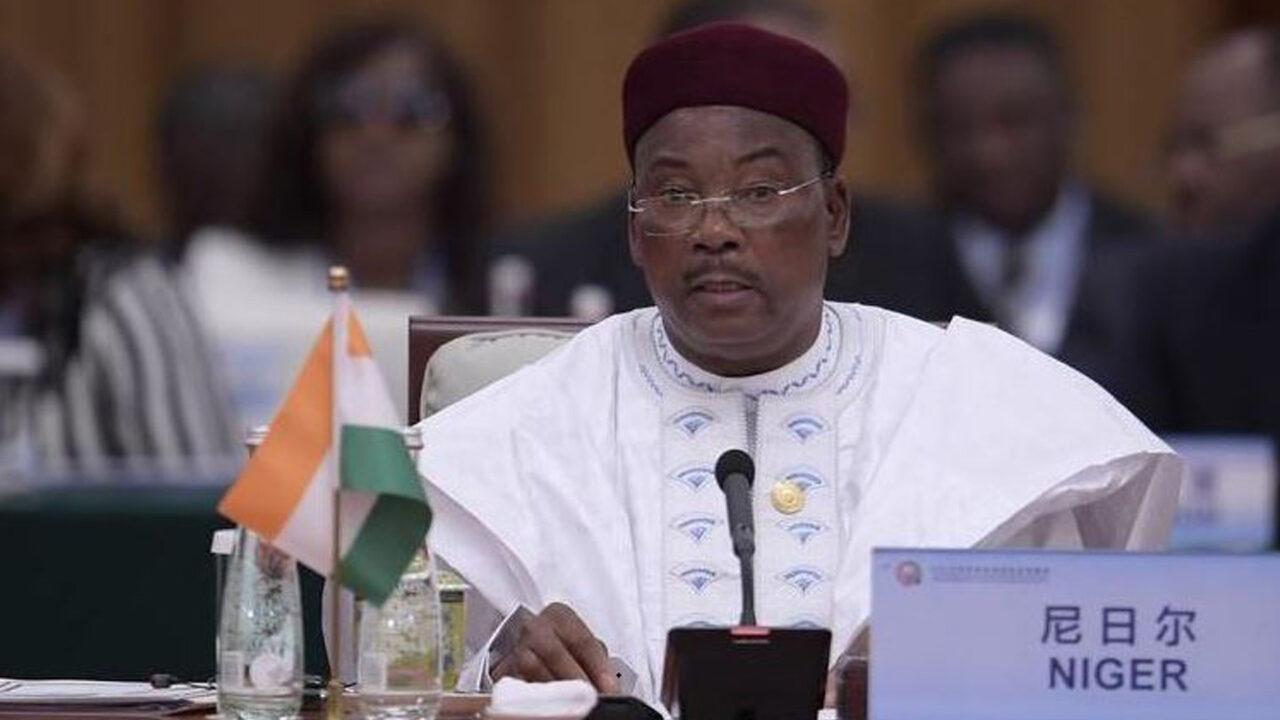 https://www.westafricanpilotnews.com/wp-content/uploads/2021/03/Niger-President-Mahamadou-Issoufou_3-21-21_File-1280x720.jpg