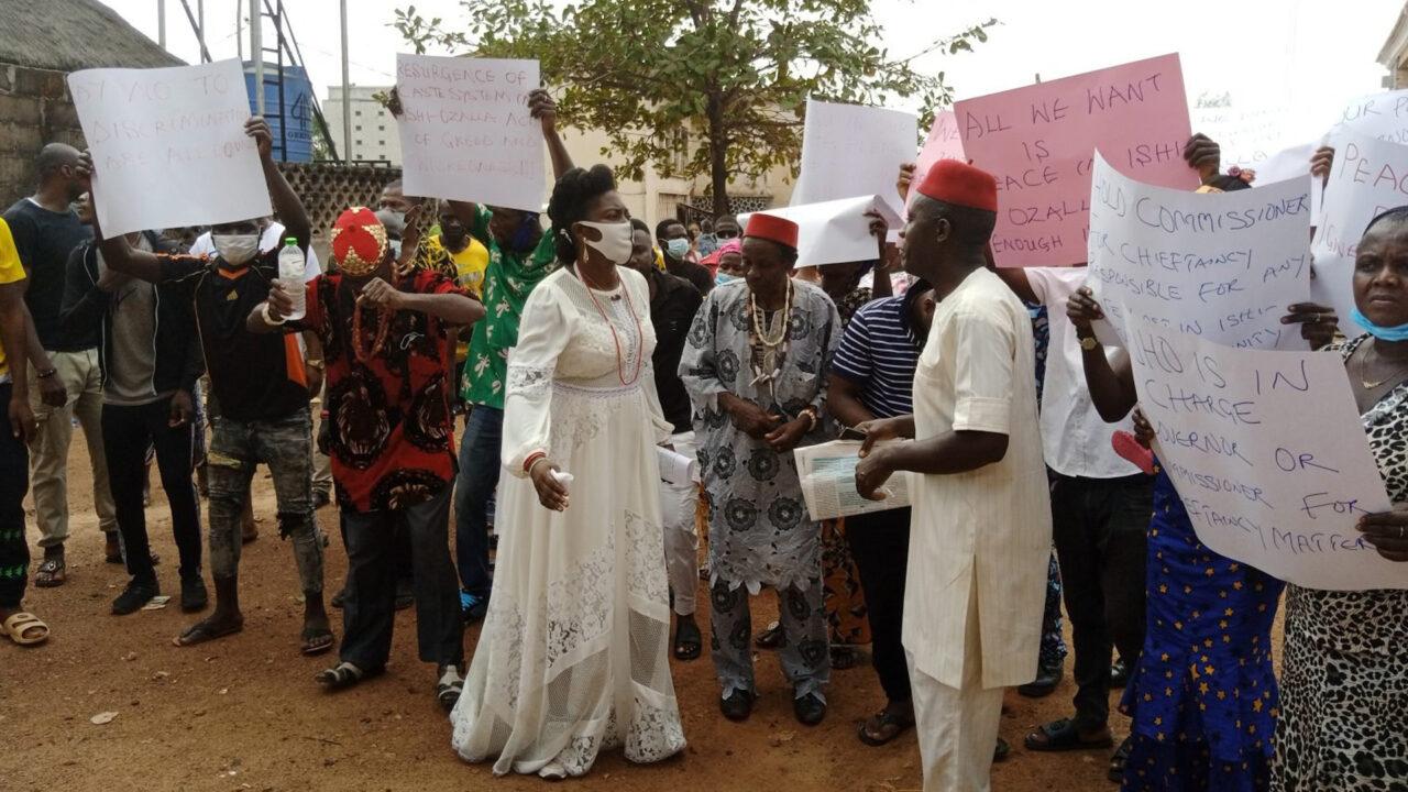 https://www.westafricanpilotnews.com/wp-content/uploads/2021/03/Protest-Edendiagu-Village-Ishi-Ozalla-LGA-Enugu-protest-in-Enugu-3-18-21-1280x720.jpg