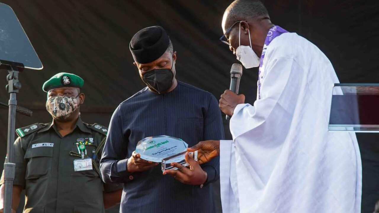 https://www.westafricanpilotnews.com/wp-content/uploads/2021/03/Vice-President-Yemi-Osibanjo-receiving-Pfn-award-in-Enugu-3-5-21-1280x720.jpg
