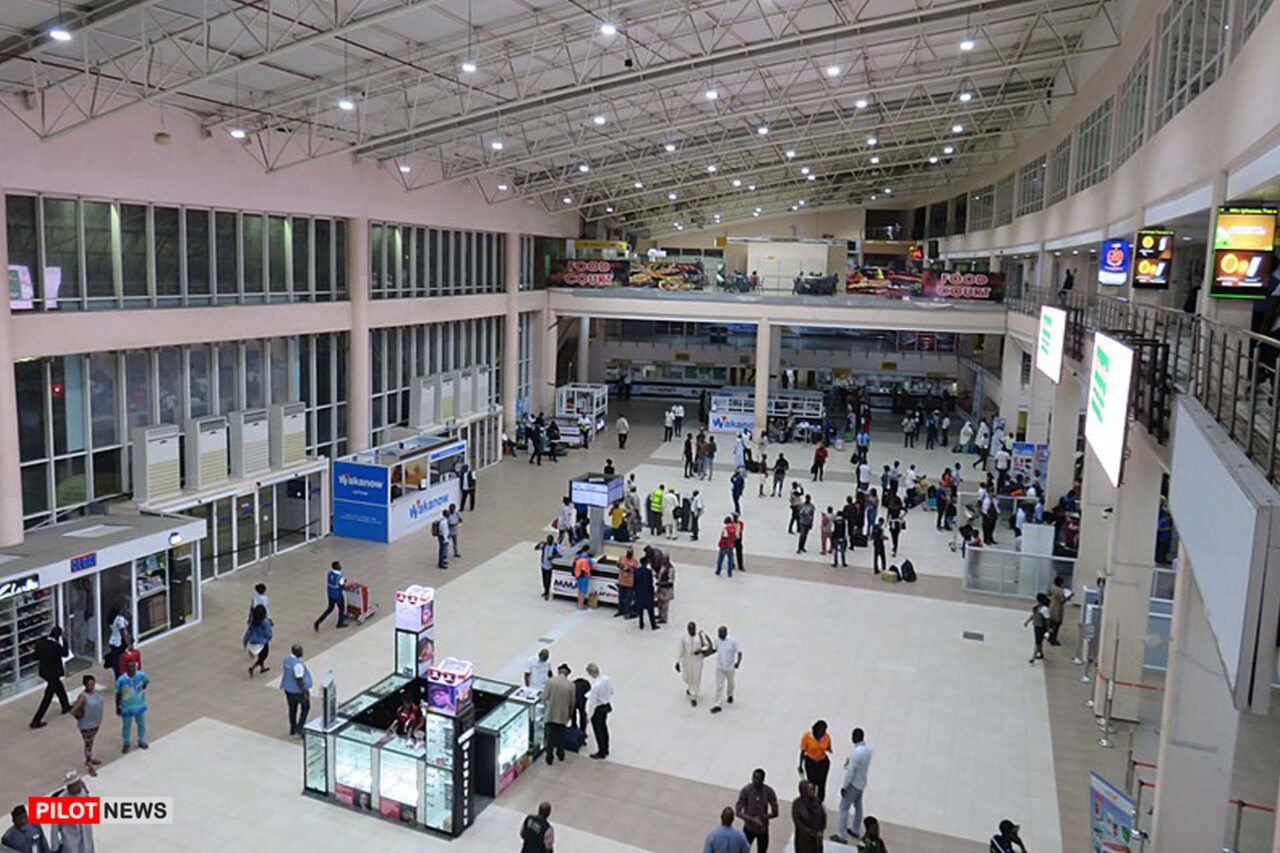 https://www.westafricanpilotnews.com/wp-content/uploads/2021/04/Airport-Passengers-arrive-Nnamdi-Azikiwe-International-Airport-Abuja-4-2-21_File-1-1280x853.jpg
