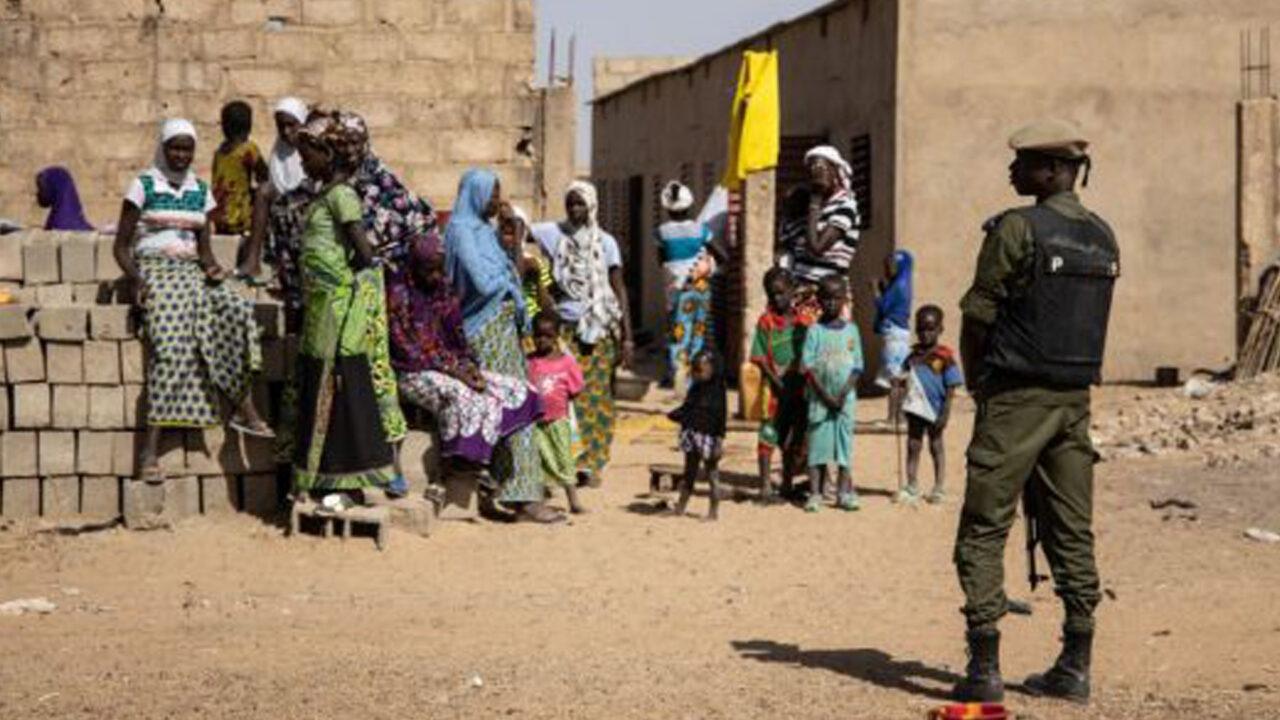 https://www.westafricanpilotnews.com/wp-content/uploads/2021/04/Burkina-Faso-Soldier-Patrols-a-district-with-IDPs_Feb-3-2020_FILE-1280x720.jpg
