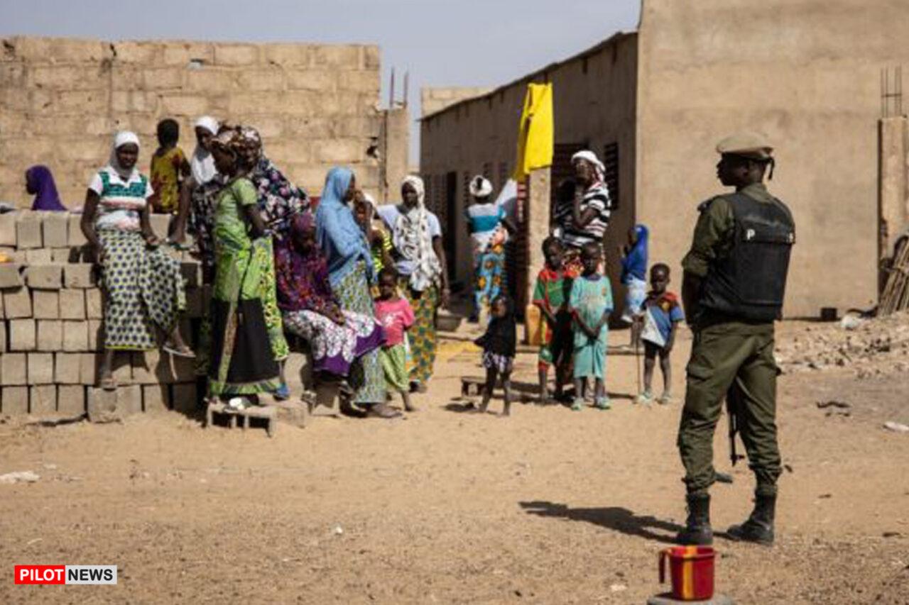 https://www.westafricanpilotnews.com/wp-content/uploads/2021/04/Burkina-Faso-Soldier-Patrols-a-district-with-IDPs_Feb-3-2020_FILE-1280x853.jpg