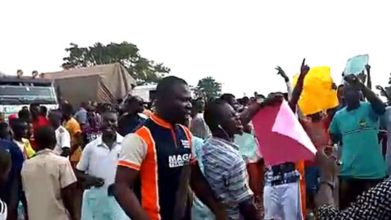 https://www.westafricanpilotnews.com/wp-content/uploads/2021/05/Adamawa-Protesing-youths-5-6-21-1280x720.jpg