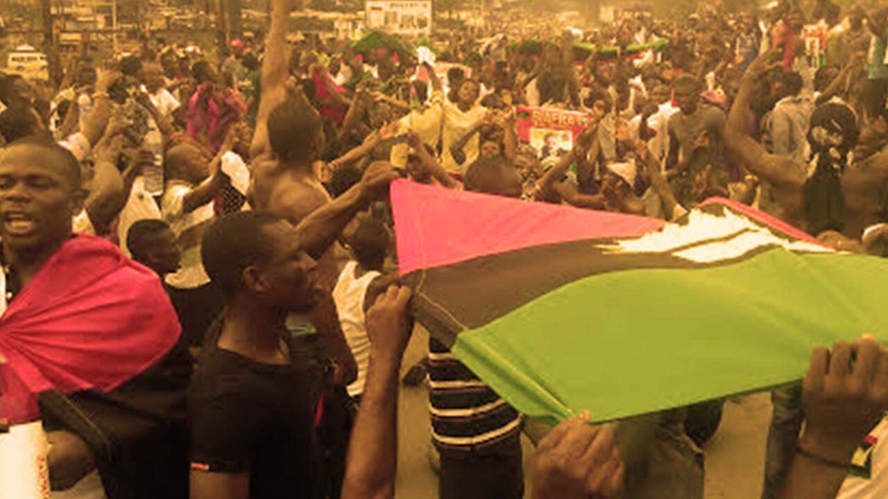 https://www.westafricanpilotnews.com/wp-content/uploads/2021/05/Biafra-Pro-Biafra-protests-hoist-flag_FILE-1280x720.jpg
