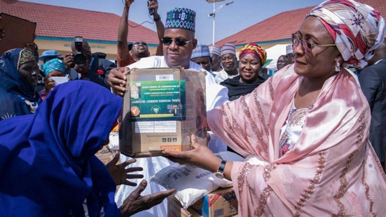 https://www.westafricanpilotnews.com/wp-content/uploads/2021/05/Buhari-Mrs-Aisha-Buhari-presenting-gift-items-to-the-less-previleged-5-17-21-1280x720.jpg