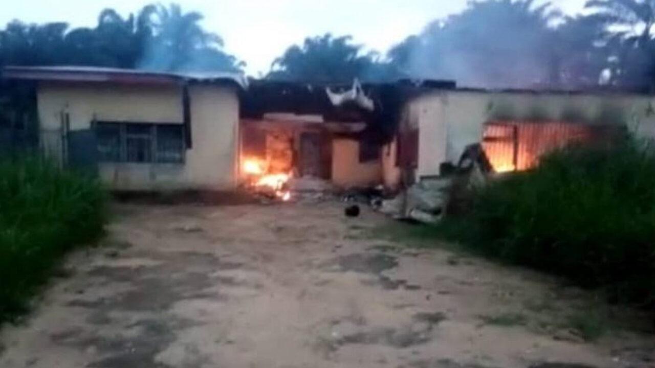 https://www.westafricanpilotnews.com/wp-content/uploads/2021/05/Fire-INEC-Office-Akwa-Ibom-Burnt-down-HUdlums-5-2-21-1280x720.jpg