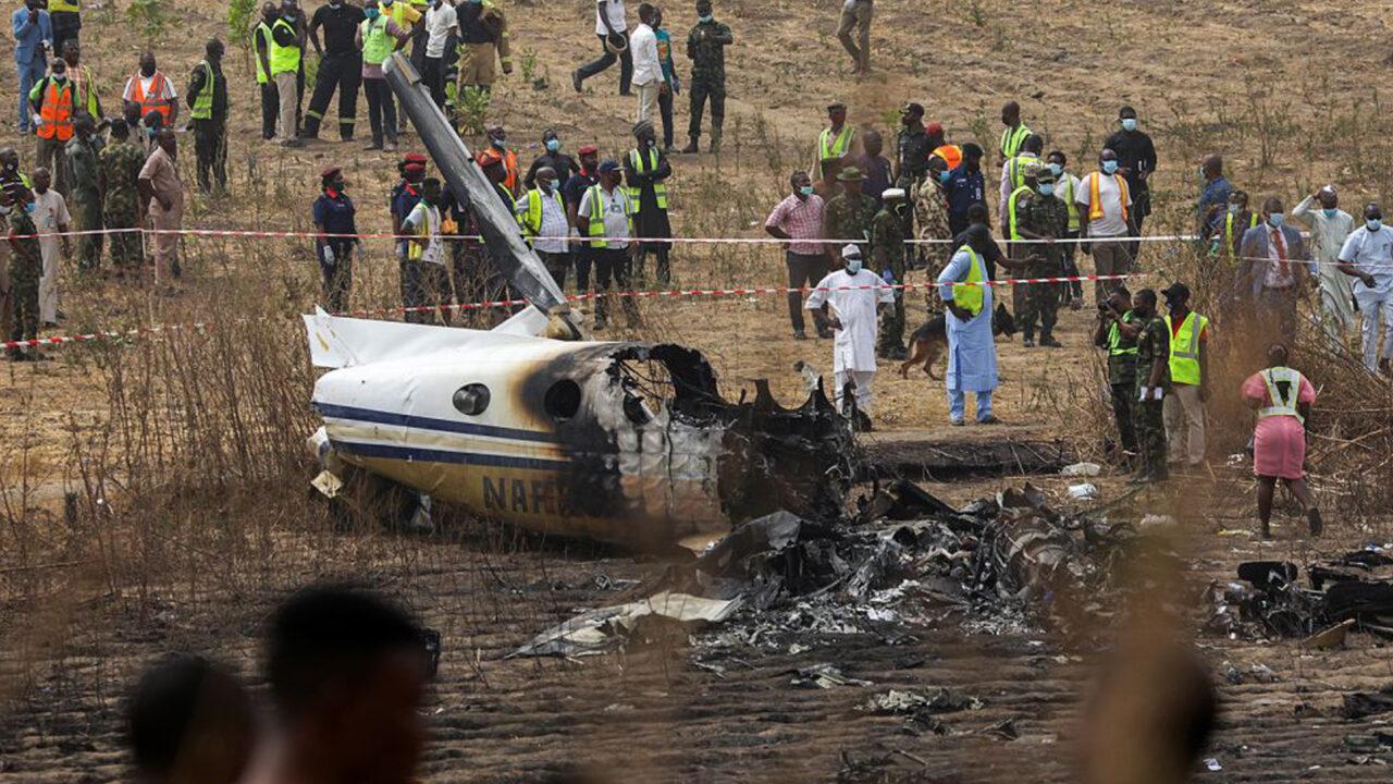 https://www.westafricanpilotnews.com/wp-content/uploads/2021/05/Nigeria-military-plane-crash-on-approach-to-Abuja-5-21-21-1280x720.jpg