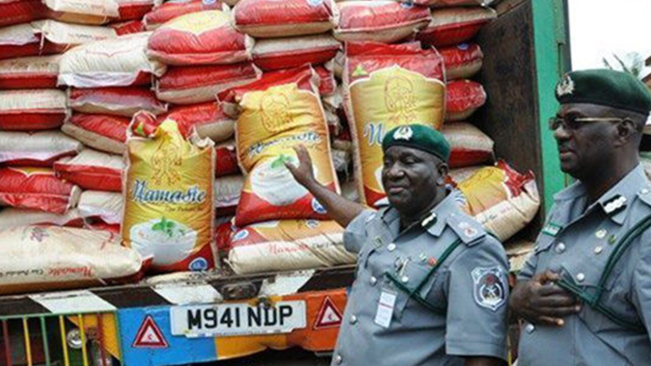 https://www.westafricanpilotnews.com/wp-content/uploads/2021/05/Rice-Vehicle-Seized-by-Nigeria-Customs_5-5-21_File-1280x720.jpg