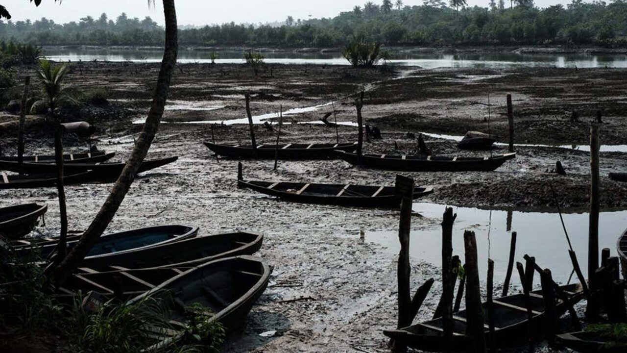 https://www.westafricanpilotnews.com/wp-content/uploads/2021/06/Oil-smeared-fishboats-on-oily-mud-in-the-river-at-K-Dere-near-Bodo-in-the-Niger-Delta-region_Getty_File-1280x720.jpg
