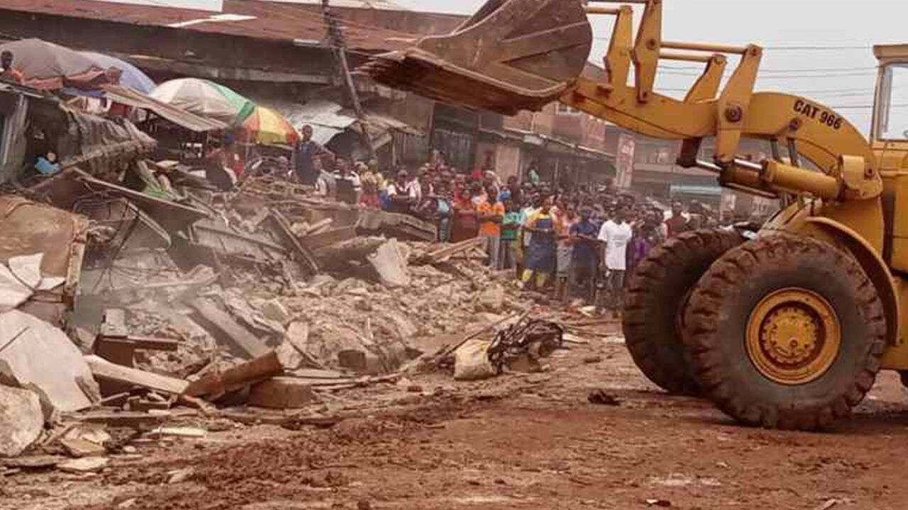 https://www.westafricanpilotnews.com/wp-content/uploads/2021/08/Agbakpa-Market-Enugu-being-distroyed-by-government-8-13-21-1280x720.jpg