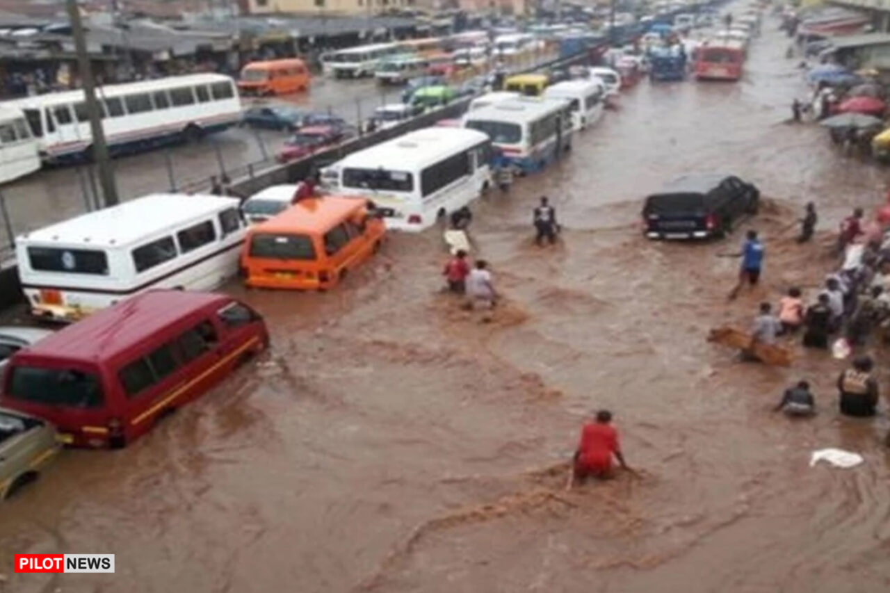 https://www.westafricanpilotnews.com/wp-content/uploads/2021/08/Flood-in-July-2021-kills-26-destroys-1000-houses-in-Kano-State-–-SEMA-1280x853.jpg