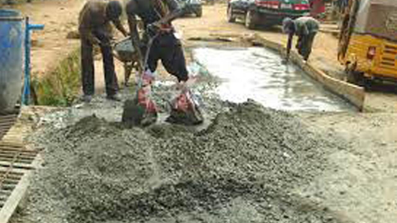 https://www.westafricanpilotnews.com/wp-content/uploads/2021/08/Women-reparing-road-in-Byazhin-community_file-1280x720.jpg
