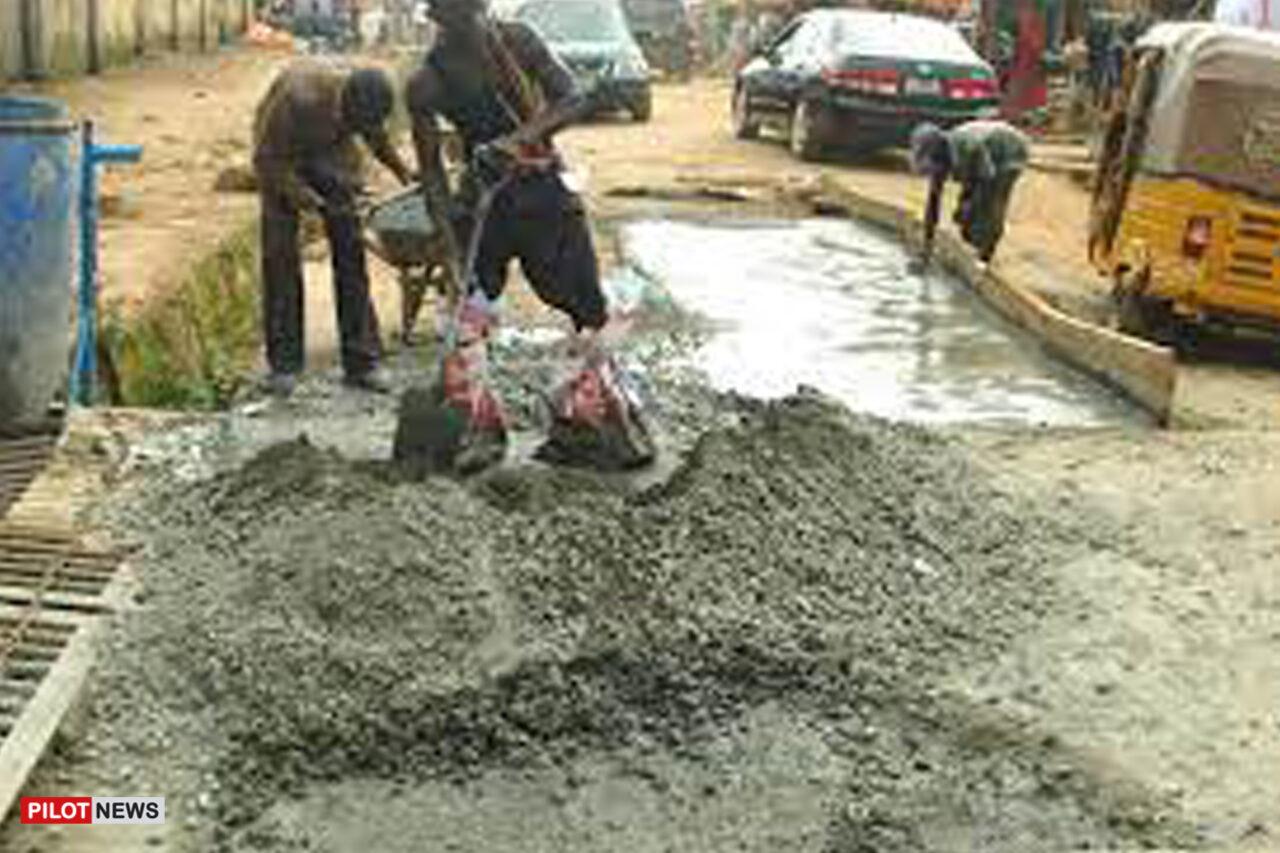 https://www.westafricanpilotnews.com/wp-content/uploads/2021/08/Women-reparing-road-in-Byazhin-community_file-1280x853.jpg