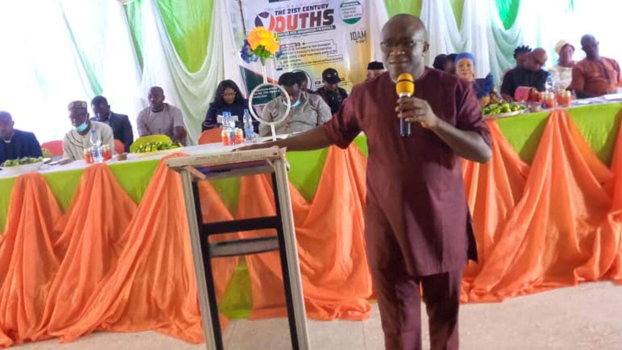 https://www.westafricanpilotnews.com/wp-content/uploads/2021/09/Hon.-Somto-Udeze-Ogbaru-Constituency-WAP-Photo-1280x720.jpg