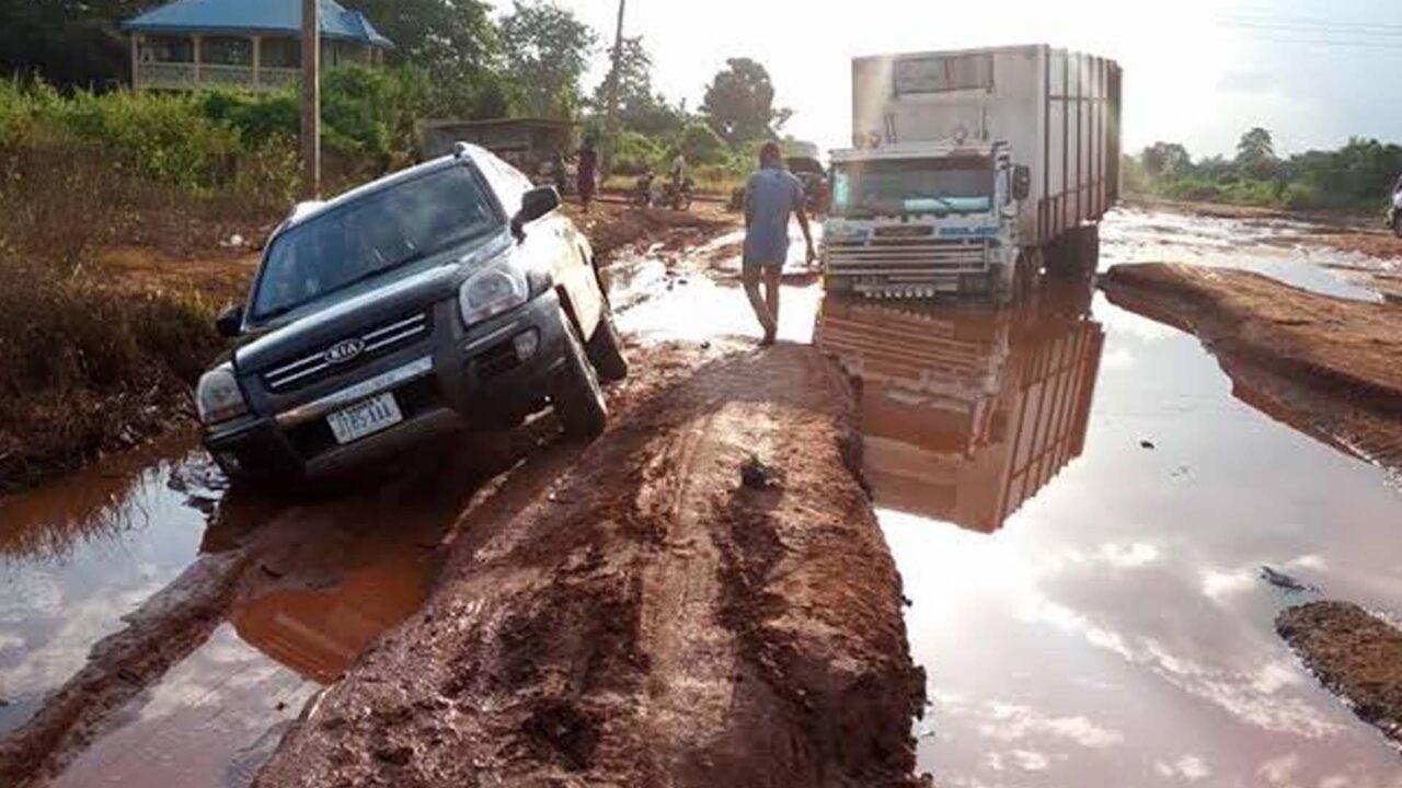 https://www.westafricanpilotnews.com/wp-content/uploads/2021/09/South-East-Enugu-Onitsha-federal-road_file-1280x720.jpg