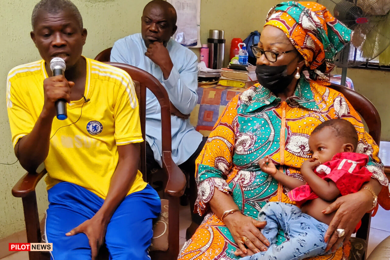 https://www.westafricanpilotnews.com/wp-content/uploads/2021/10/Commissioner-for-Gender-Affairs-and-social-development-Princess-Nnaji-carrying-baby-Chidiuto-Chukwu_WAP-1280x853.jpg