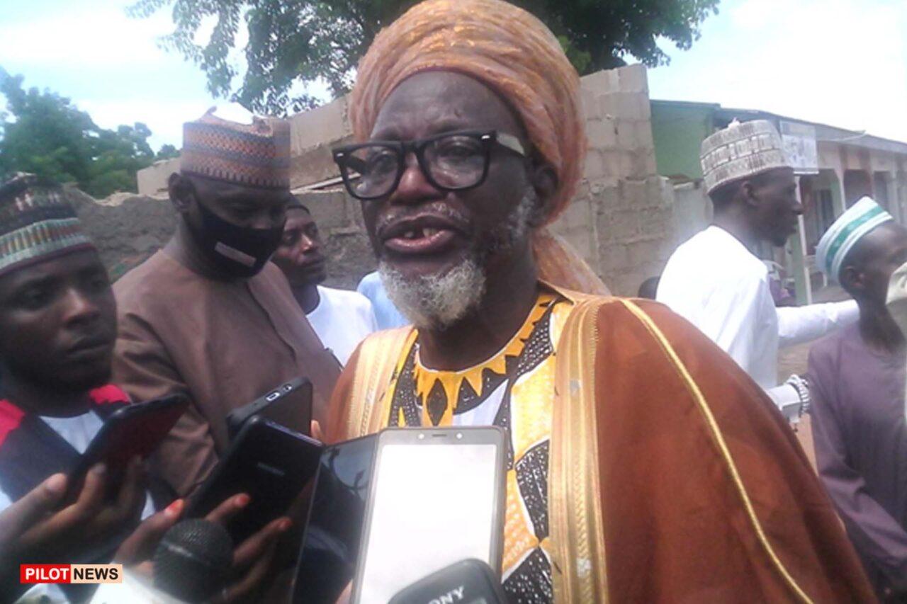 https://www.westafricanpilotnews.com/wp-content/uploads/2021/10/Sheik-Ibrahim-Abubakar-Daware_file-1280x853.jpg